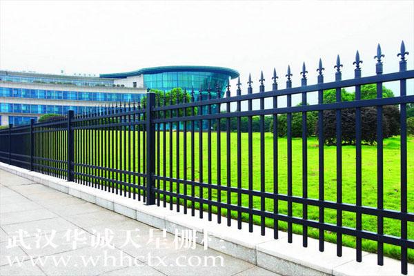 如何选择南昌围墙护栏